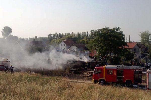 Požar romske kuce 2015 krnjaca