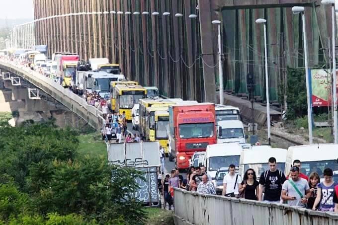 Protestna vožnja preko Pančevačkog mosta