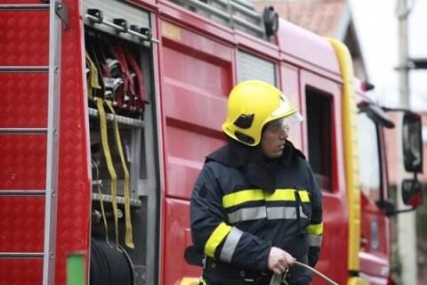 Zapalio se krov na kući u Borči - 26.03.2014