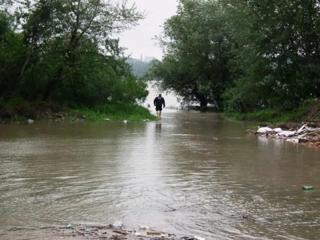 Meštani leve obale zabrinuti zbog povećanog vodostaja Dunava
