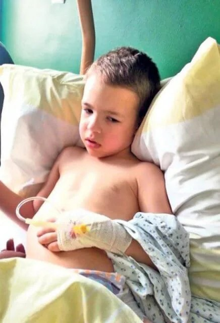 Pomozimo malom Vuku Lojkoviću da pobedi paralizu