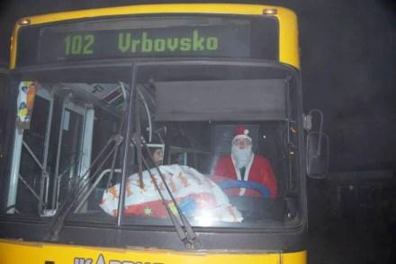 Deda Mraz kao vozac GSP - Linija 102