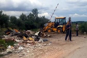 POBEDILI SMO SISTEM: Uklonjena deponija na nasipu kod Crvenke - 2015