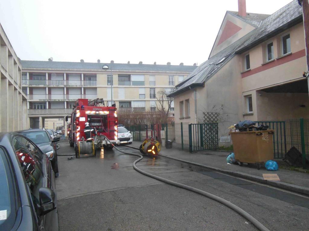 Beauvais centre ville incendie dans un garage l 39 observateur de beauvais - Garage de la piscine beauvais ...