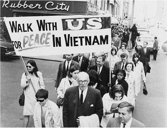 anti vietnam movement in the u s Protests against the vietnam war did not while there were those who were vociferous in their condemnation of us policy in south vietnam the hippy movement.