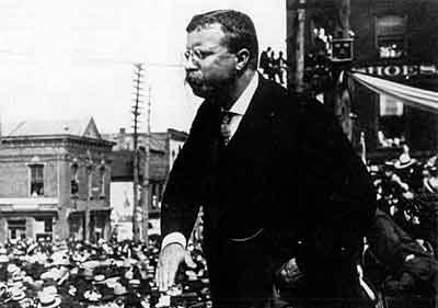 Theodore Roosevelt displayed his vigorous campaigning style before the newsreel cameras.