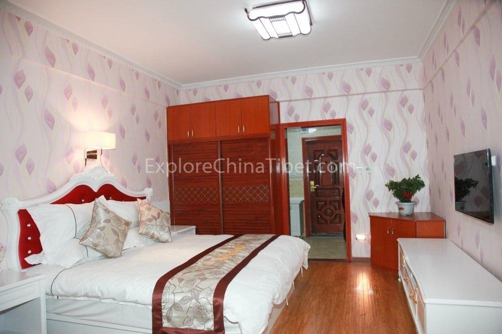 Tsetang Yulong Holiday Hotel Family Suite