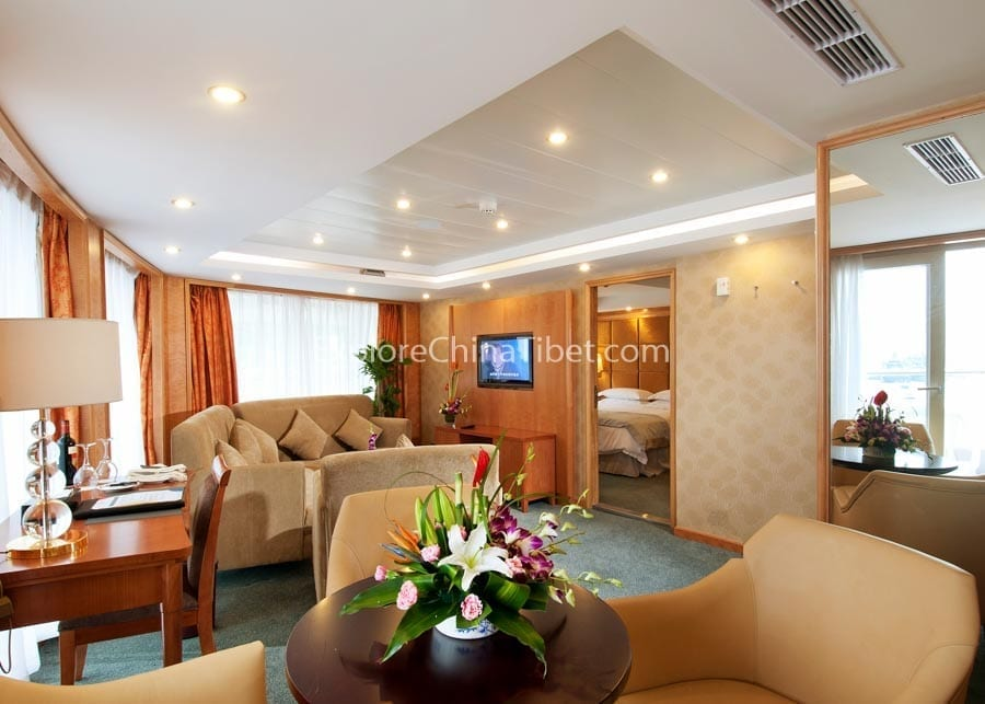 Chongqing to Yichang Century Emerald Cruise Presidential Suite