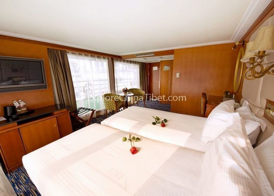 Chongqing to Yichang Victoria Sophia Cruise Executive Suite