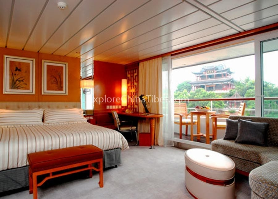 Chongqing to Yichang Yangtze Explorer Cruise Suite