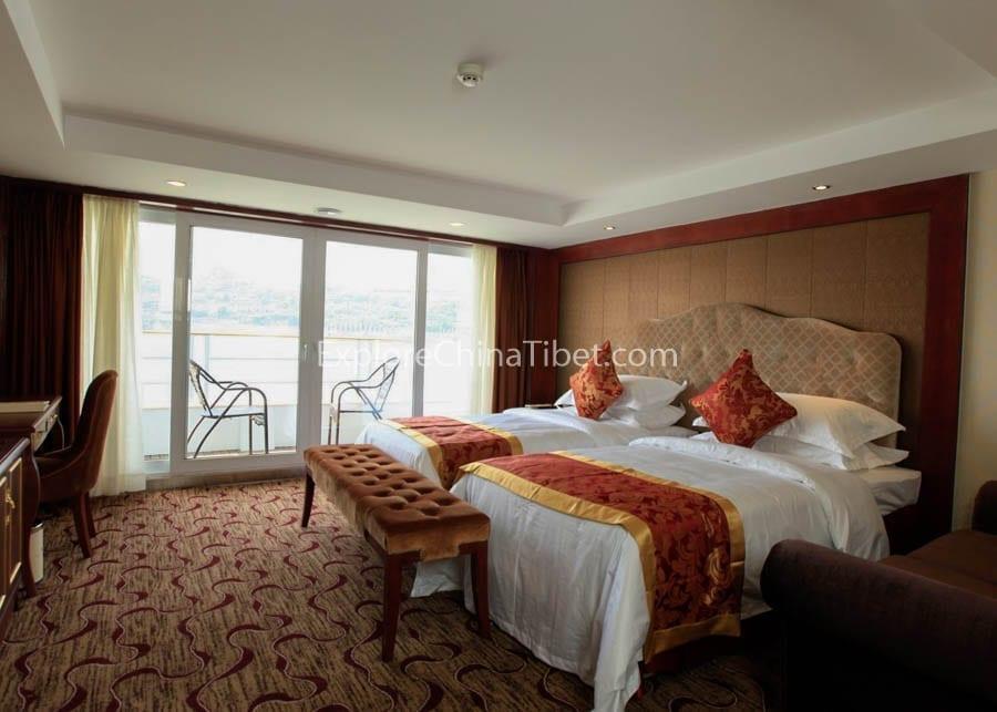 Chongqing to Yichang Yangtze Gold 3 Cruise Executive Suite