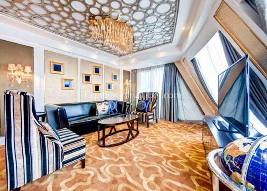 Chongqing to Yichang Yangtze Gold 8 Cruise Presidential Suite