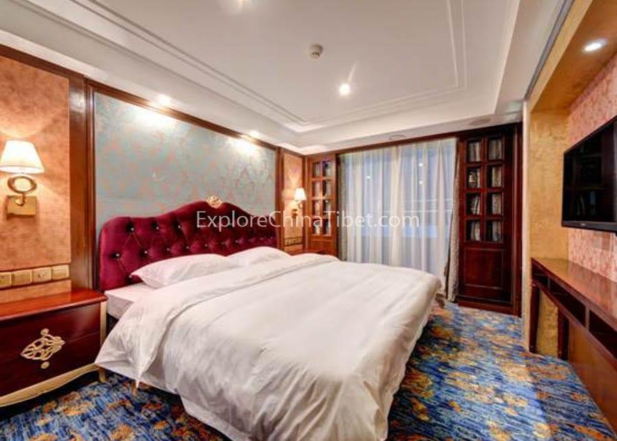 Chongqing to Yichang Yangtze Gold 8 Cruise Executive King-size Bed Cabin