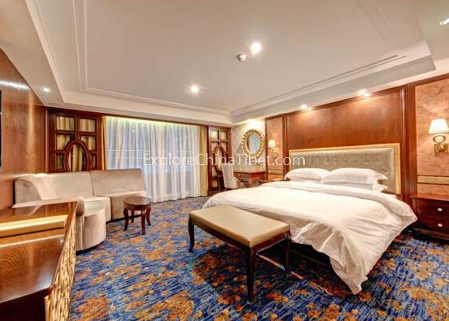 Chongqing to Yichang Yangtze Gold 8 Cruise Executive Suite