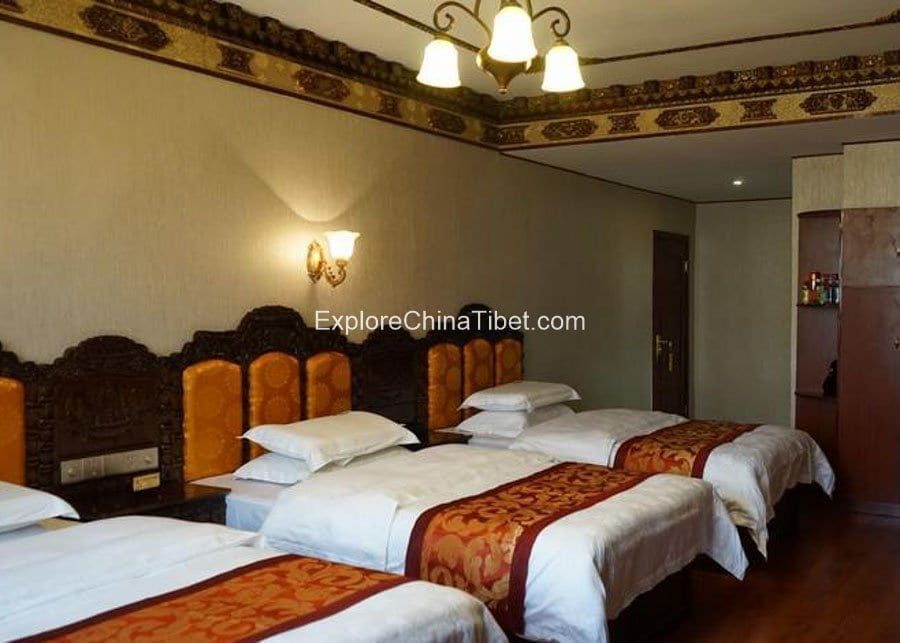 Damxung Baima Hotel Triple Room