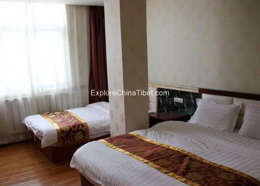 Jilong Hotel Dormitory Room