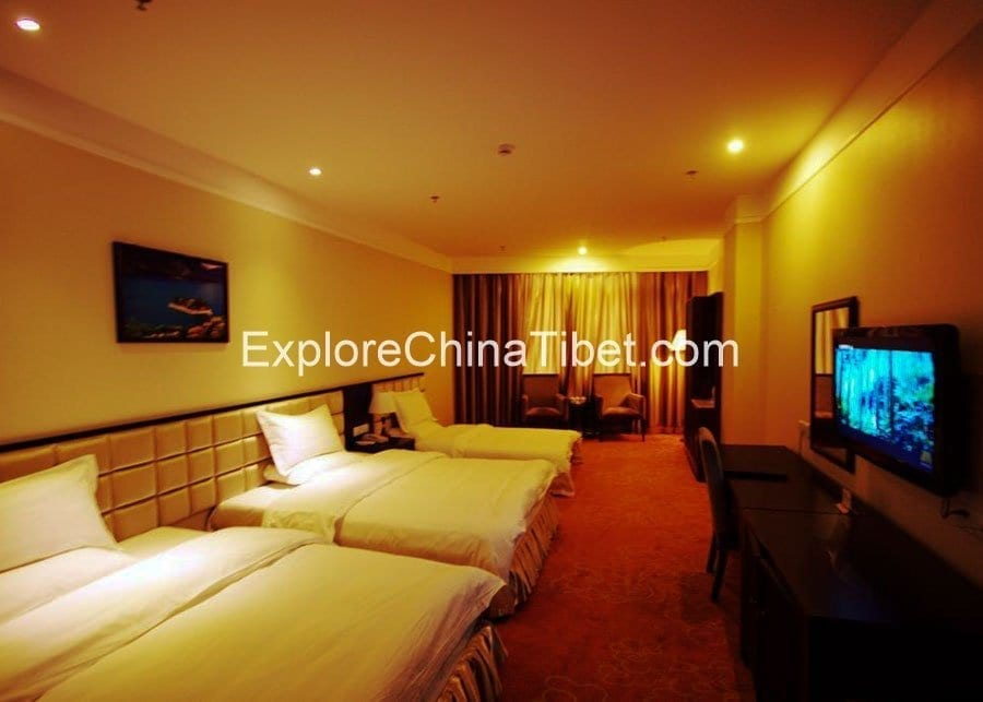 Nyingchi Impression Hotel Deluxe Triple Room