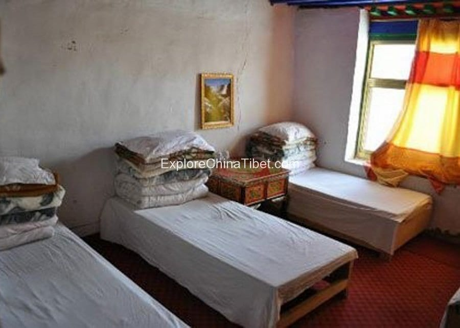 Rongbuk Monastery Hotel Quintuple Room