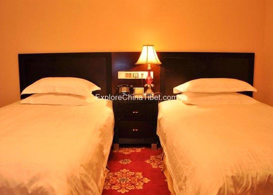 Shang Ba La Hotel Deluxe Room