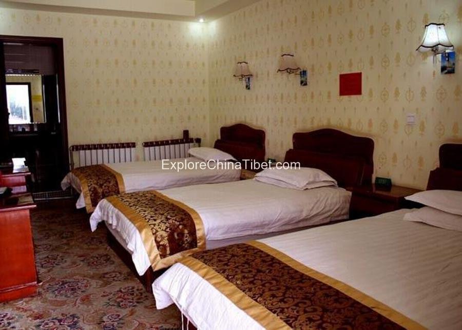Shannan Post Hotel Deluxe Triple Room