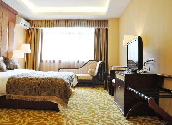 Nyingchi Fengqing Hotel Deluxe Room