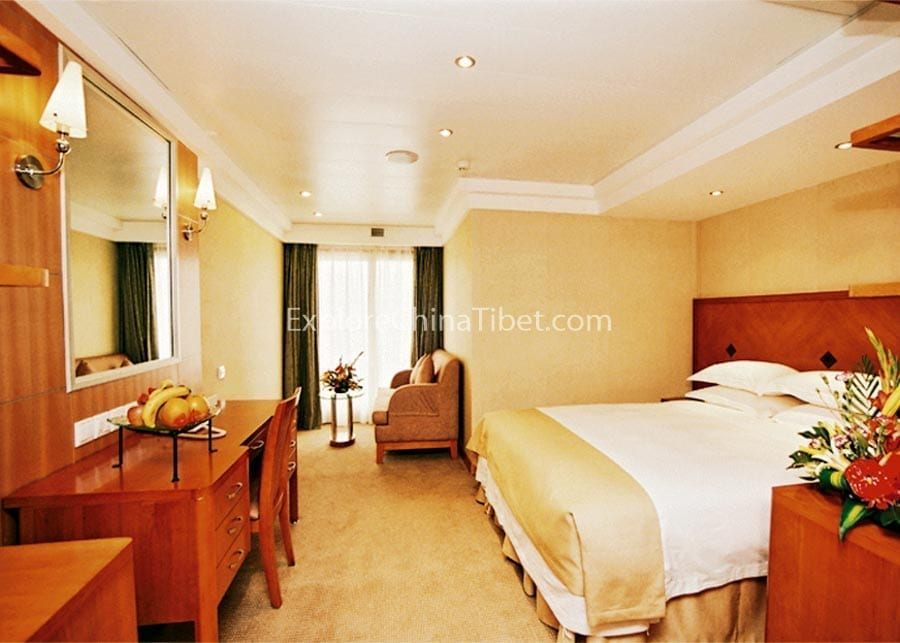 Yichang to Chongqing Century Sky Cruise Junior Suite