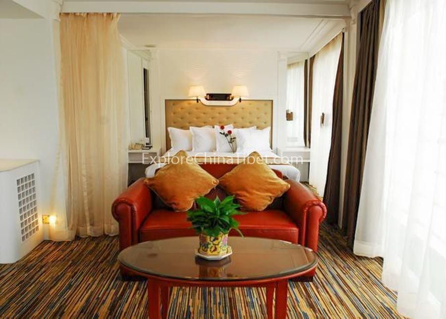 Yichang to Chongqing Victoria Grace Cruise Deluxe Suite