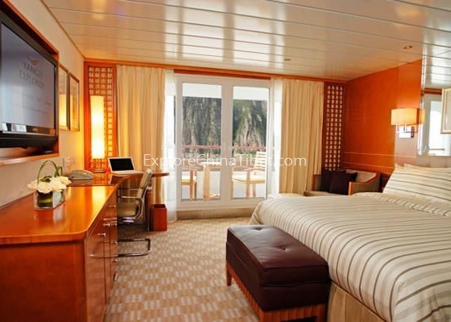 Yichang to Chongqing Yangtze Explorer Cruise Deluxe Cabin