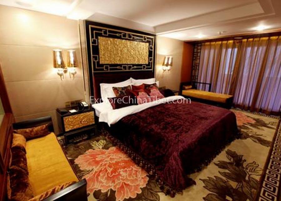 Yichang to Chongqing Yangtze Gold 6 Cruise Deluxe Suite
