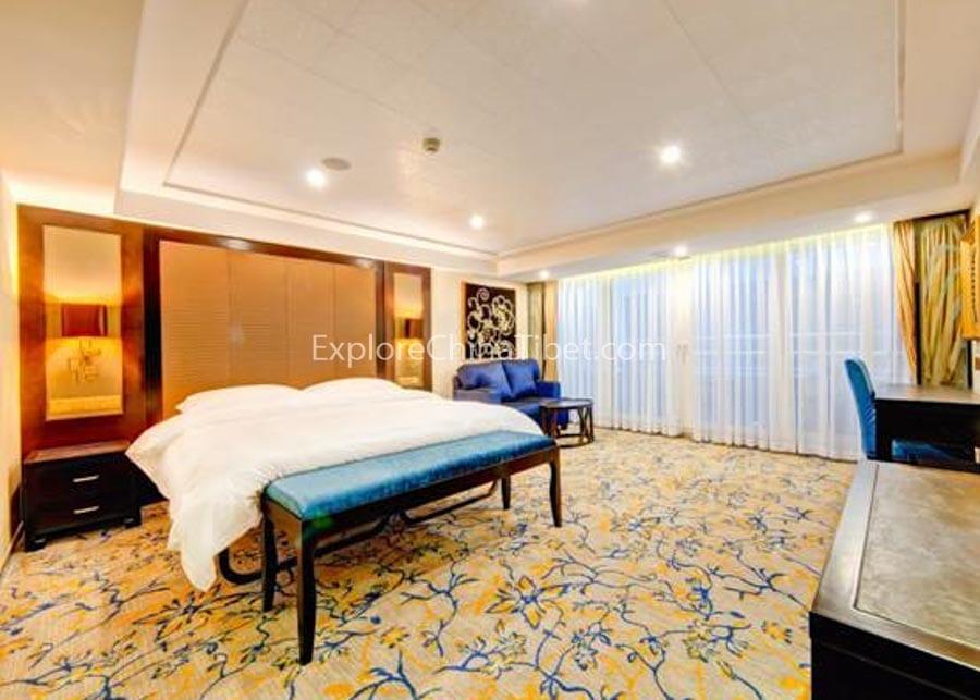 Yichang to Chongqing Yangtze Gold 7 Cruise Executive Suite