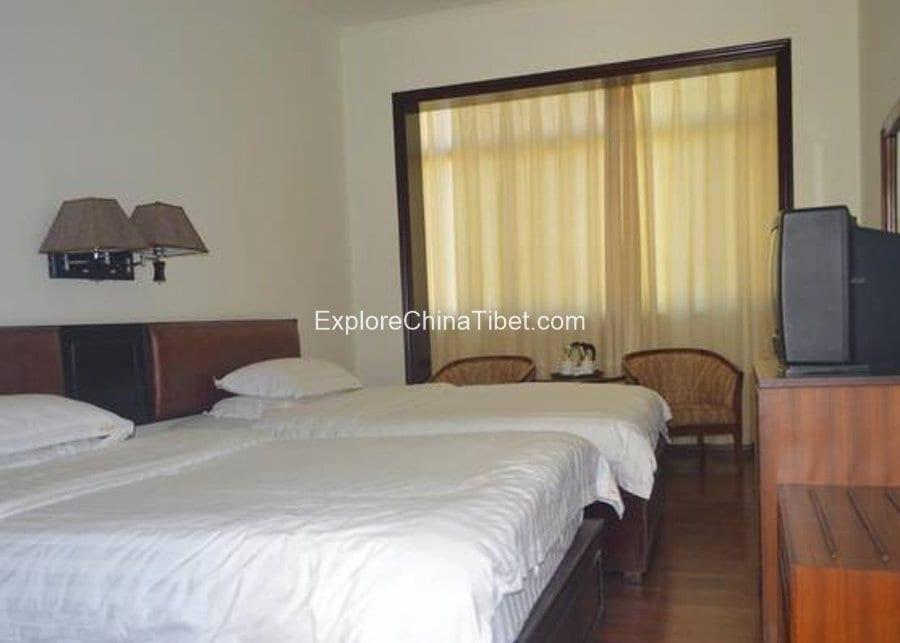 Zhangmu Hotel Shigatse-8