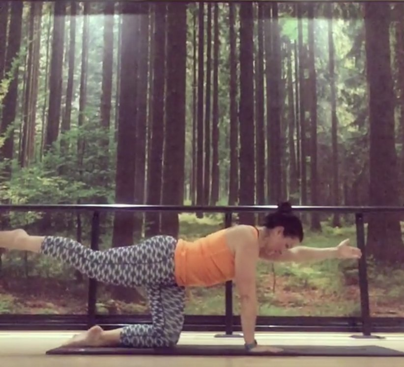 online yoga class for core strength