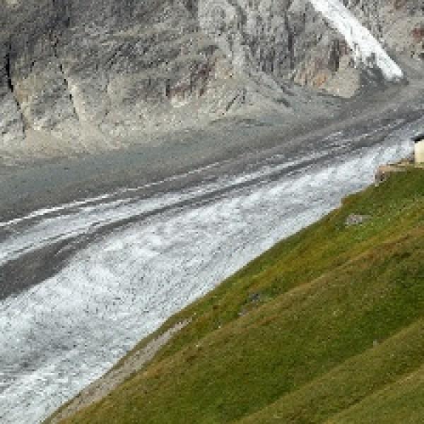 Melting-glacier-jpg_20161213101508-159532