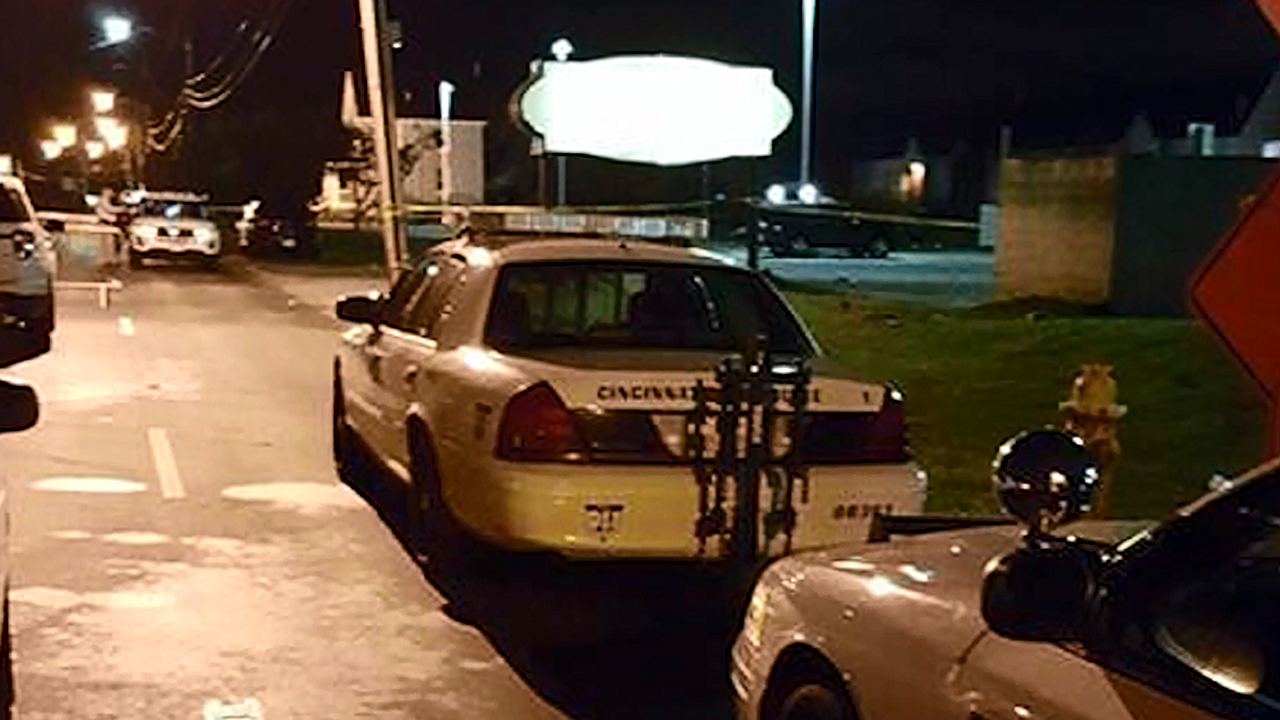 Cincinnati police car at Cameo shooting-159532.jpg63740875
