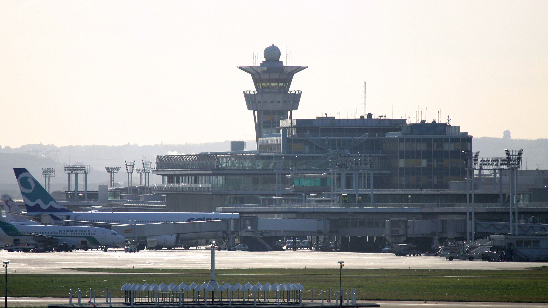 Paris-Orly Airport82295277-159532