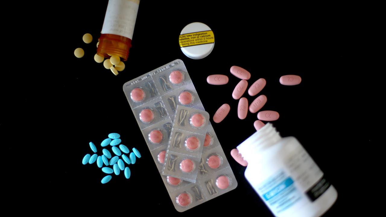 Prescription drugs pills bottles-159532.jpg46974427