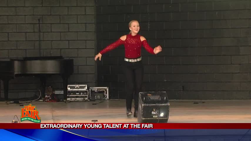 Extraordinary Young Talent at the Fair_34362364