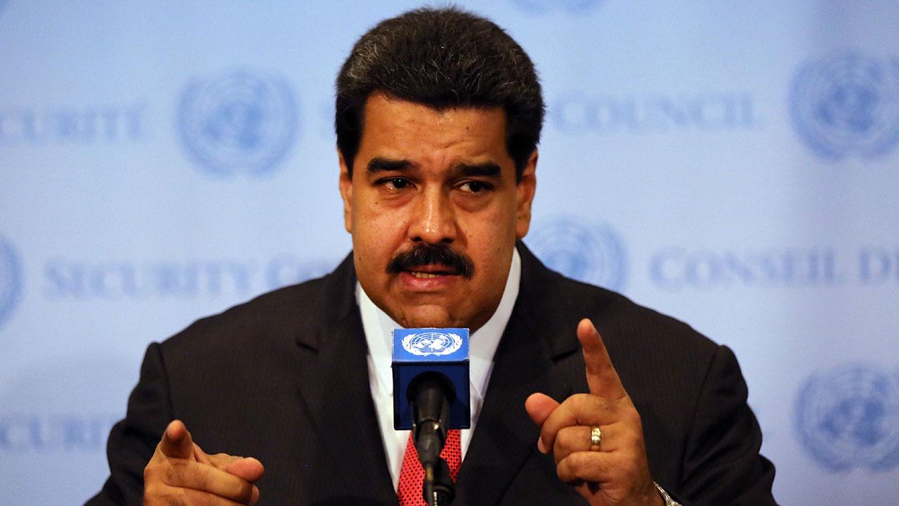 Nicolas Maduro speaking with hands95821720-159532