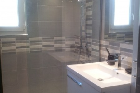 petite salle de bain en longueur » Maisons Décoration   Maisons ...