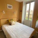 Appartement jaune- location la roche posay delphine et stephane podevin (8)