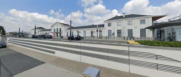 AVIS Location Gare de Laval
