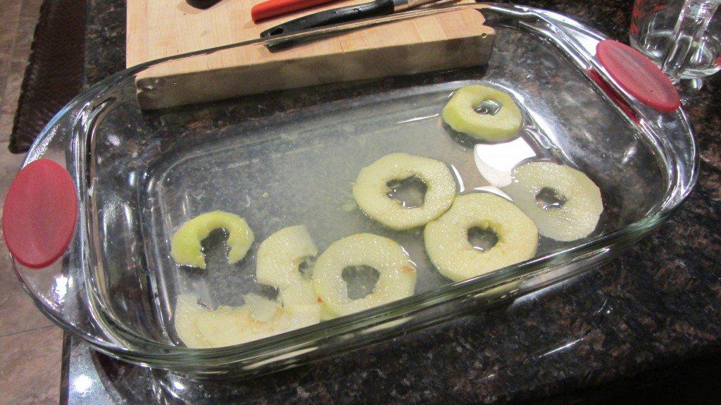 Apples slices in lemon/water bath