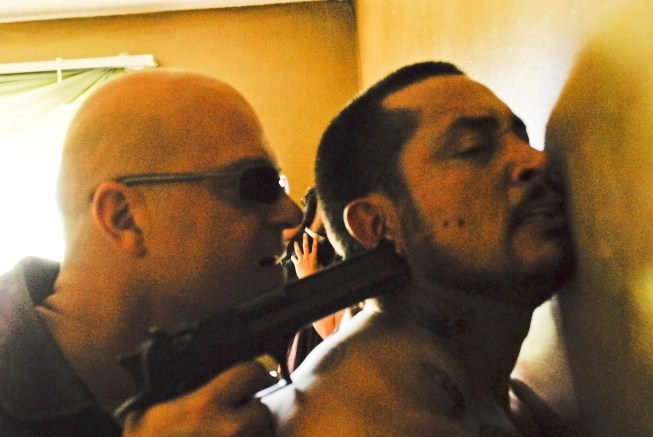 Ben Hernandez Bray e Michael Chiklis in The Shield