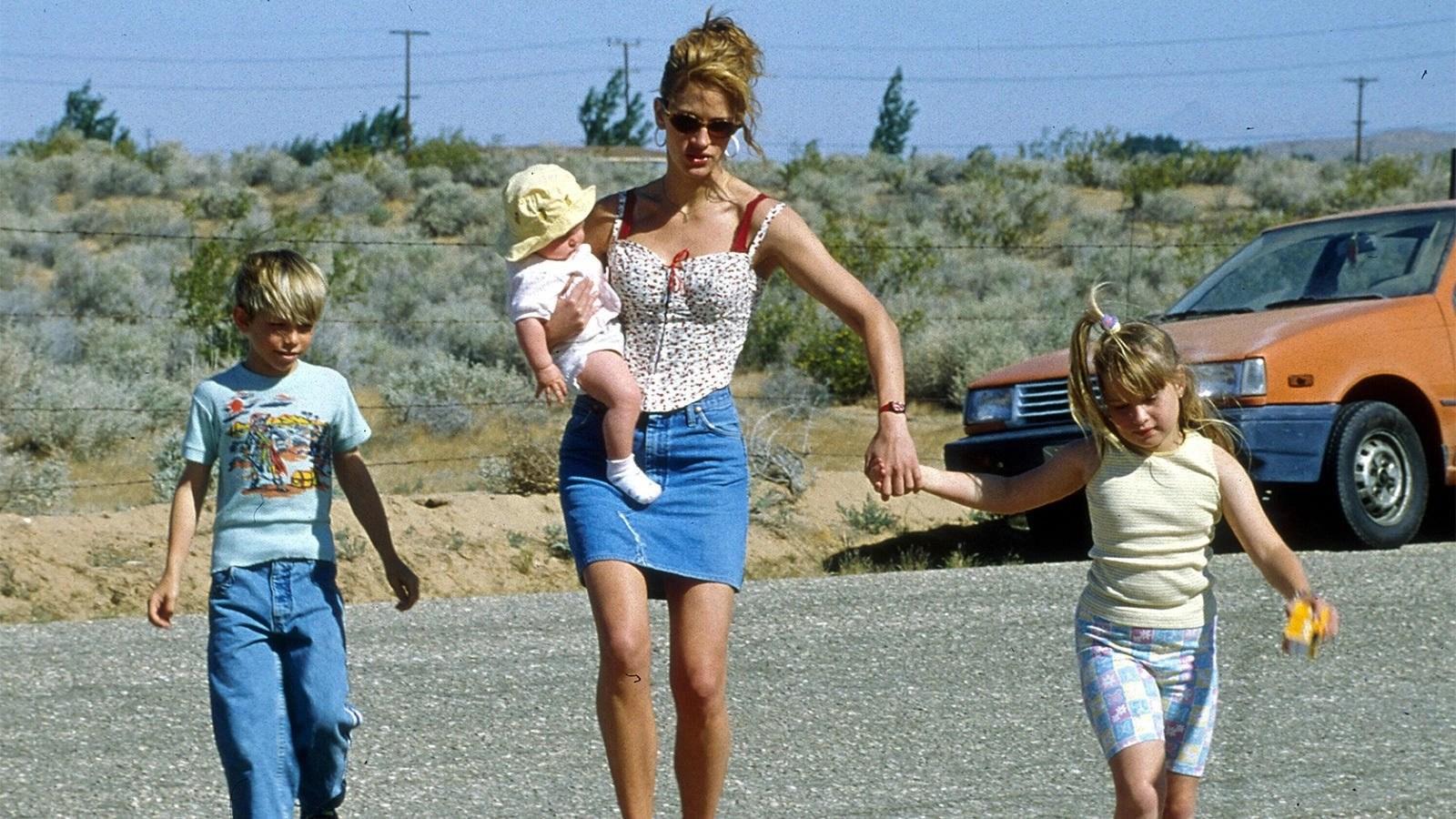Julia Roberts in Erin Brockovich - Forte come la verità (2000)