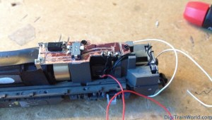 Vossloh G2000 Next 18 DCC conversion: Custom board in place
