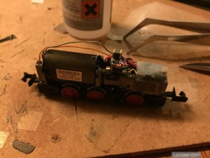 Hobbytrain 249085 - BR V363 Cottbus - Light and capacitor in place