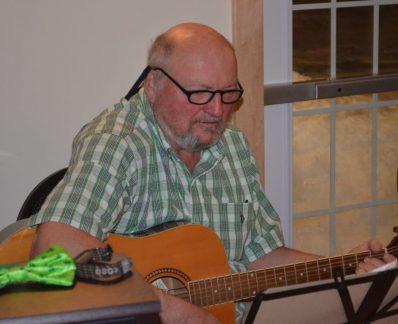 Paul McClung - Guitar