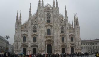 Milán: El cuadrilátero de oro, el Duomo y el castillo de Sforzesco