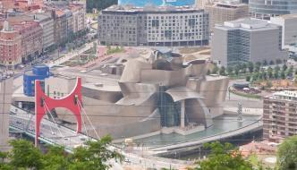 El Casco Viejo de Bilbao y el monte Artxanda