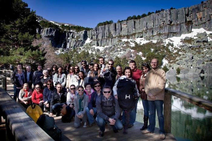 Foto del grupo de blogueros y periodistas en la Laguna Negra